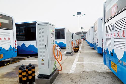 公共汽车车厢内部设计-忻州城区纯电动公交车9月19日起亮相运营高清图片
